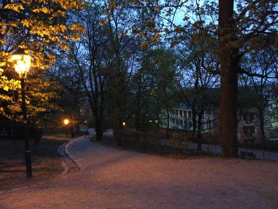 Brno, Czech Republic: El parque de noche