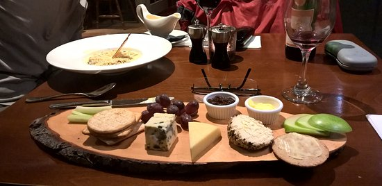 Lauder, UK: It's all about the cheeseboard!