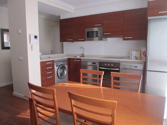 Apartamentos Turisticos Verdemar: cocina-comedor