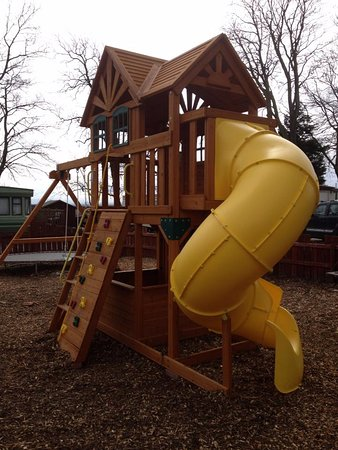 Kirkpatrick Fleming, UK: Under 10's play area