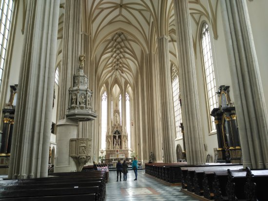 St. Jacob's Church: Nave central