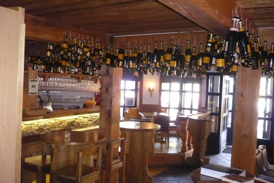 Bar Deko decken dekoration hier wird gefeiert picture of elan bar caffe