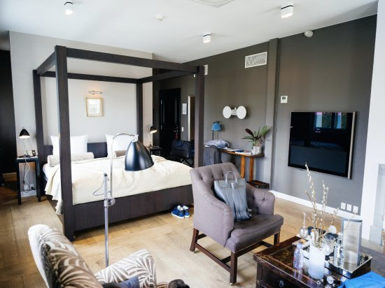 Nimb Hotel Resmi
