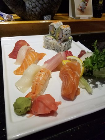 Temple Terrace, FL: Sushi/Sashimi Combo plate with California Roll