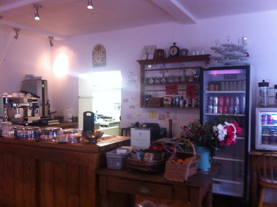 Glencarse, UK: View of counter