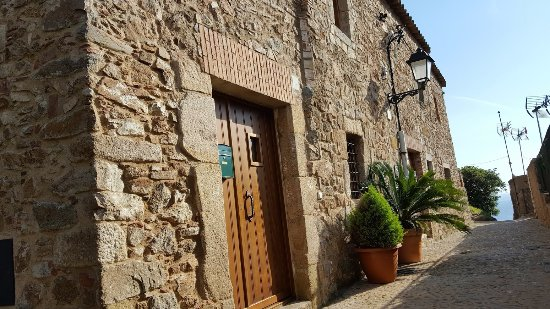 Picture Of Vila Vella (Old Town