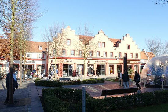 Roppenheim, Francia: The Style Outlets