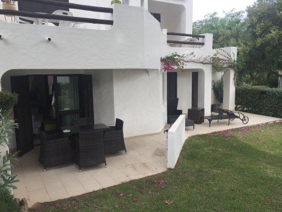 Balaia Golf Village: Terrasse extérieure
