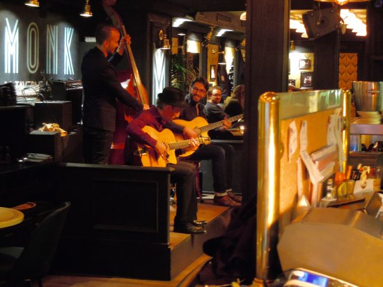 MONK - La Taverne de Cluny : The Brilliant Christopher Brunard Jazz trio.