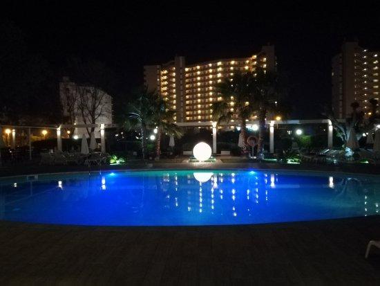 Caballero Hotel: IMG_20170413_224712_large.jpg