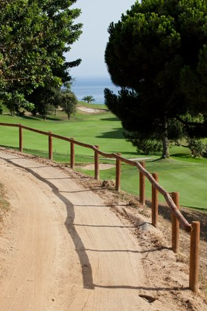 Sant Andreu de Llavaneres, Hiszpania: Going to Tee 17 - Signature Hole in Golf Llavaneras