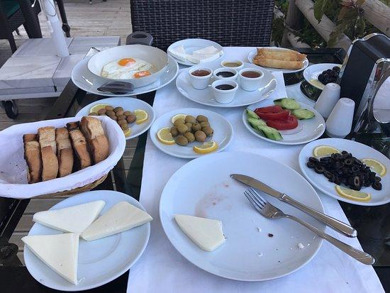 Uzunyurt, Turkey: photo0.jpg