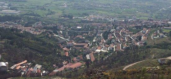 Ponte da Ribeira da Carpinteira: vista desde la montaña