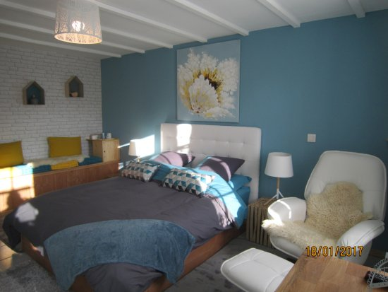 chambre r ves bleus picture of le clos des siffleurs gratibus tripadvisor. Black Bedroom Furniture Sets. Home Design Ideas