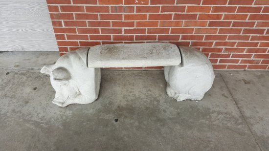 Marion, IL: Pig bench outside restaurant.