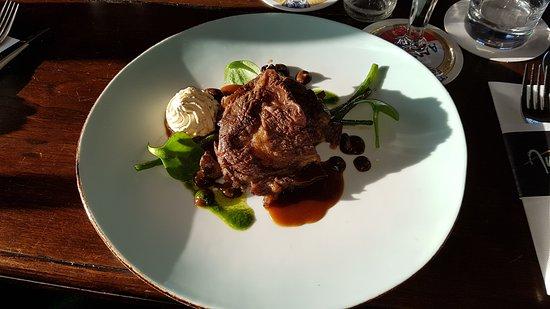 Grouw, The Netherlands: Steak, Ente, Knurrhahn, Rib Eye, Brot, Carpaccio