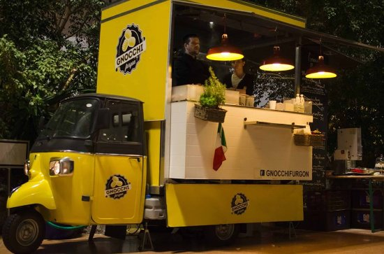 food truck udvar a lla i aot 51 gnocchi furgon