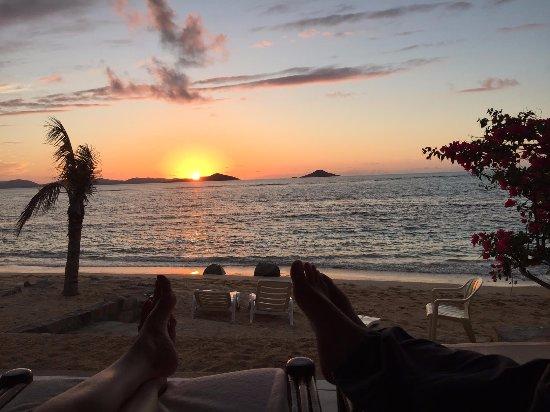 Mango Bay Resort: Sunset on the veranda!
