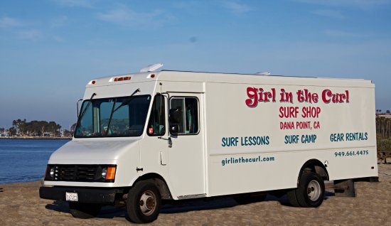 Dana Point, CA: Girl in the Curl has a full-service surf shop and surf lessons for kids and adults.