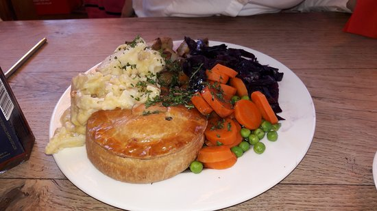 Rustington, UK: Lamb and Polo Mint pie