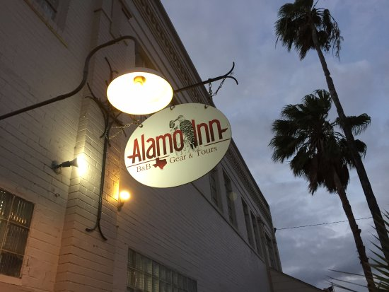 Alamo, TX: The inn is located in an old, repurposed commercial building.