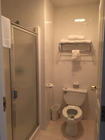 Egg Harbor City, NJ: Bathroom - 303