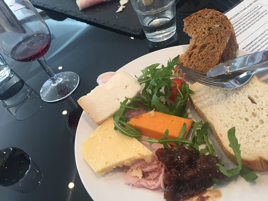 Shaftesbury, UK: Lunch at the vineyard