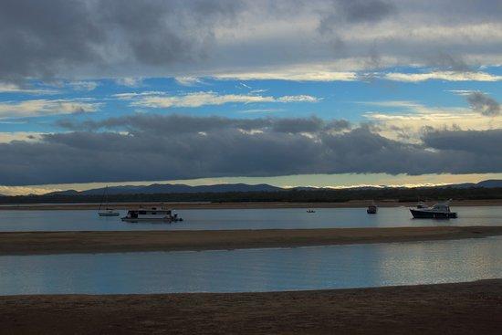 Seventeen Seventy, Australia: Sunset