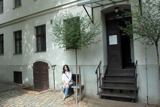 Berliner Ensemble: photo1.jpg