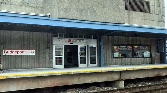 Μπρίτζπορτ, Κονέκτικατ: Chun Hwa's at the Bridgeport train platform