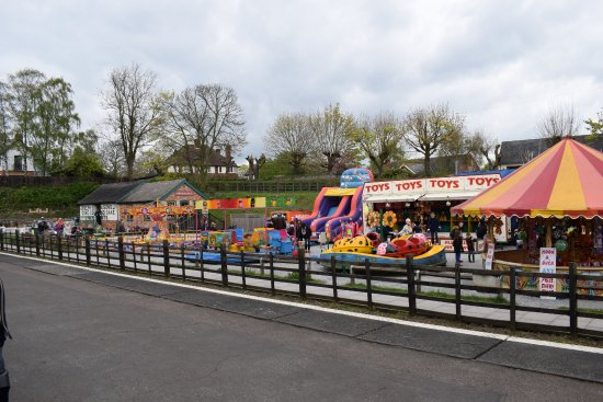 Loughborough, UK: Easter fun fair at Rothley Station