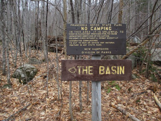 The Basin at Franconia Notch State Park: signs lead to the basin