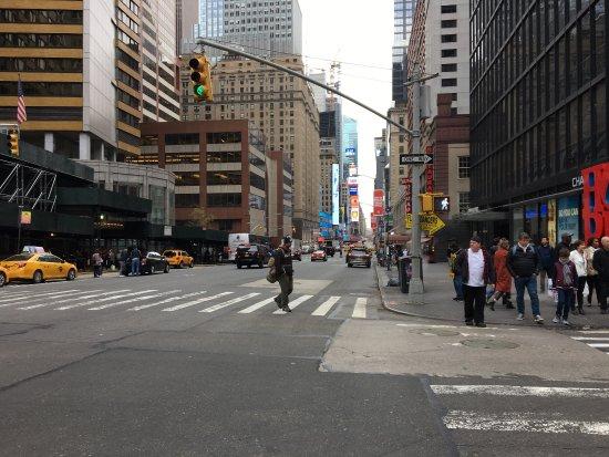 The London NYC: photo1.jpg