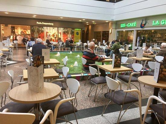 Мюльхайм-ан-дер-Рур, Германия: Gute Einkaufsmöglichkeit mit Zusatzerlebnissen wie ein Kino und Essgelegenheit