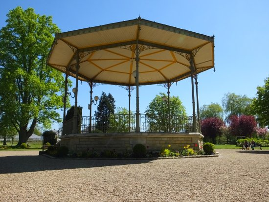 Kiosque Du Jardin Picture Of Royal City Of Loches Loches