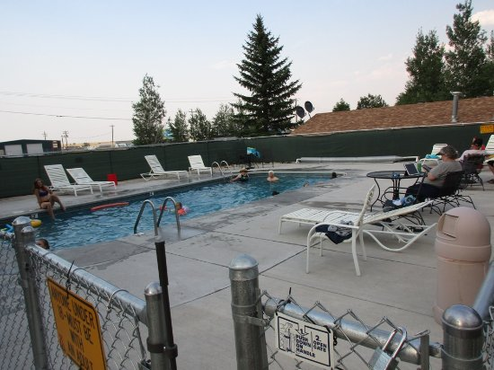 Buffalo, WY: sparkling pool