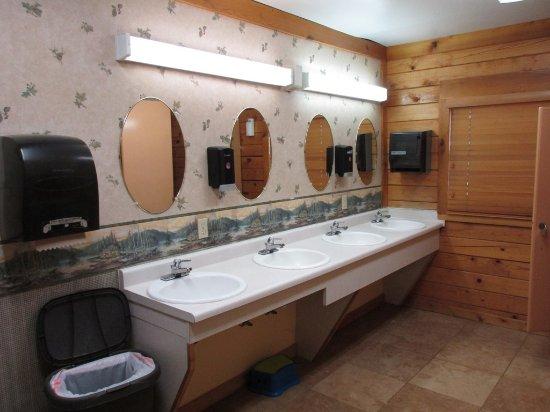 Buffalo, WY: communal sink area in restrooms