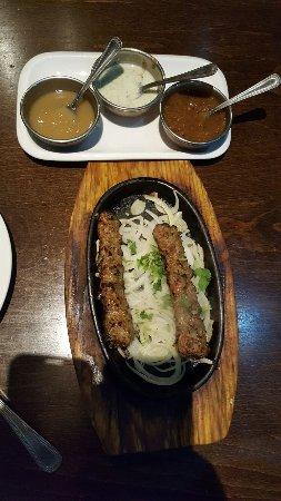 Southall, UK: Lamb curry, lamb on bone, grilled chopped lamb
