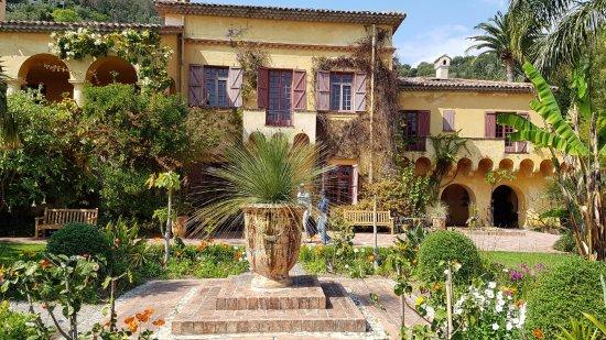 Jardin Botanique et Exotique Val Rahmeh : Maison du jardin. Vous pouvez visiter une exposition à l'intérieur.