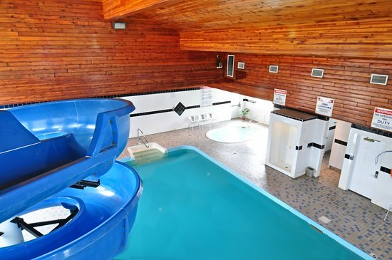 Travelodge Golden Sportsman Lodge Photo