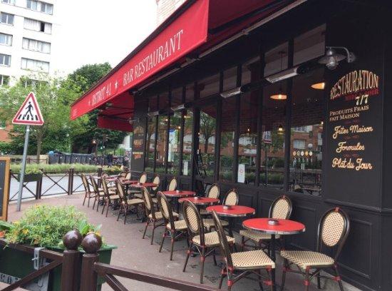 Issy-les-Moulineaux, Francia: exterieur
