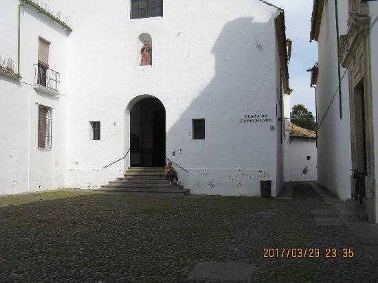 Cristo de los Faroles: Area of Churchyard