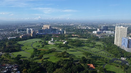 Manila American Cemetery and Memorial: view from the Infinity Condo