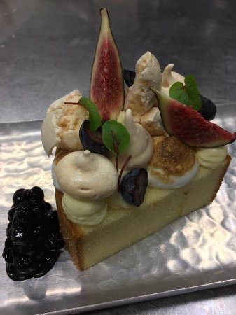 Port Stanley, Canada: House made desserts