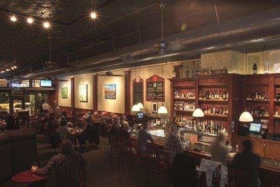 Loveland, Κολοράντο: Henry's bar