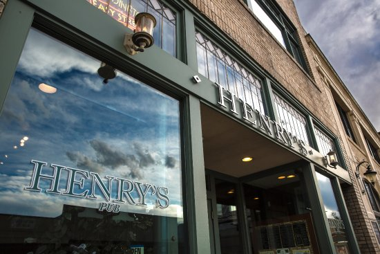 Loveland, CO: Henry's entrance