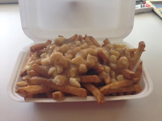 Belleville, Canada: Regular Poutine (Montreal Style)