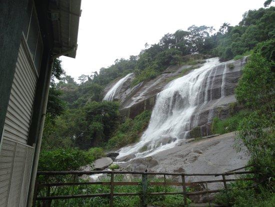 Museu Náutico Ilhabela: cachoeira água branca