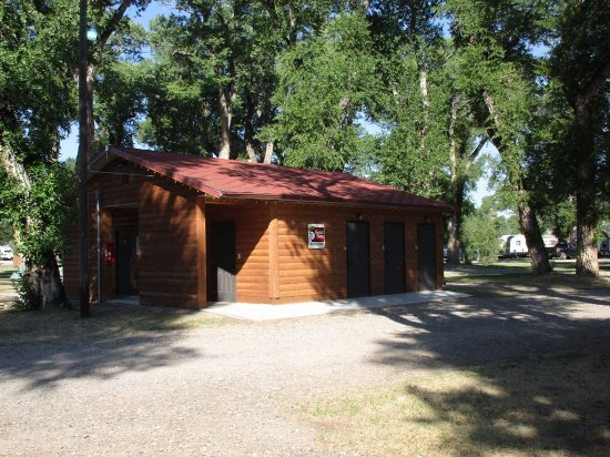 Dubois, WY: Campground restroom/shower building