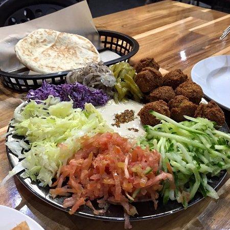 Falafel Omisi: Falafel Plate